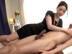 En avslappende massasje med en ... veldig lang cumshot!