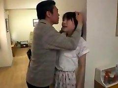 jeune salope japonaise soumise baisee beau pere pervers