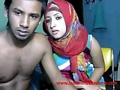 freshly married indian srilankan couple live on cam show