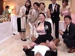 sex er gratis mellom familie og venner i dette ekteskapet
