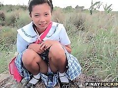 Daring Asian Fledgling Gives An Outdoor Oral Job