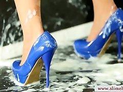 Cum drenched bukkake babe slimed