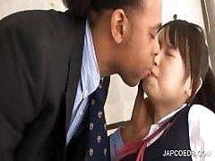 Ázsiai diáklány kap gyökér dörzsölte