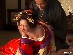 Yumi Adachi - Egy Kurtizán A Virágos Bőr