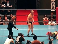 Super-steamy mixed wrestling