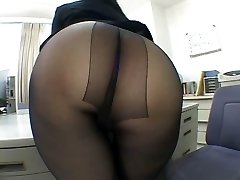 One of the hottest panty hosepipe worship scenes EVER!