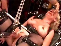 Angel Pussy toture