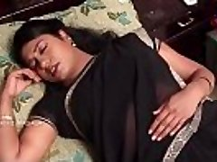 INDIAN telugu housewife CHEATED BY THE Medic