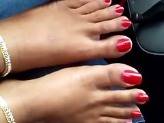 indian red toenails