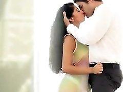 Hot Romantic pulverizing sex of a Delhi escorts marvelous Vip girl