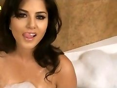 Sunny Leone XXX Porn Hd Sex Video Sunny leone moist meaty baps www.xjona.com