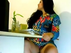 Sexy damsel Getting Nasty in Office -Indian looks