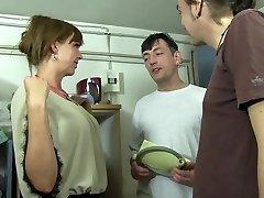 Reife Swinger - Super-hot MMF three way with lusty mature German