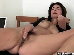 Porn will get mom's puss fleshy