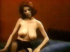 MRS ROBINSON - vintage nylons stockings striptease good-sized boobies