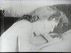 Hot biotch sucking vintage cock