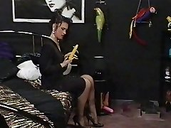 A good Maid meets her Domme Lesbian Wishes