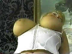 Vintage debel blond z velikimi joški