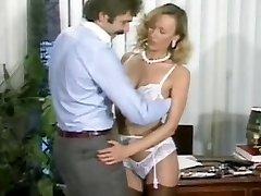 Ursula Gaussmann Sexo no escritório(Gr-2)