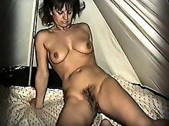 Yvonne kosmato muco pripravo Lorena iz 1fuckdatecom