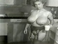 Virginia Bell - Big Buxom Kitchen Housewife