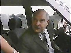 Γέρος Με Πόρνη Στο Αυτοκίνητό 1