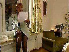 Nemška Klasična MILF Po Diplomi Razred