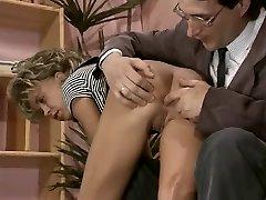 Vintage porno adolescente con una flaca rubia chupando