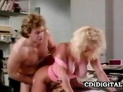 Κονιάκ Bosworth - Bustillicious Ρετρό Cougar Γραφείο Σεξ