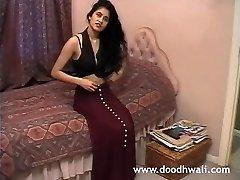 British Indian Girl Shabana Kausar Ρετρό Πορνό