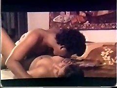 Mallu vintage σεξ γυμνή σε ταινία