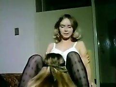 Πιο hot Σπιτικά ρεκόρ με Vintage, Λεσβιακές σκηνές