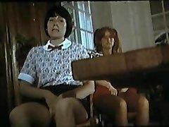 Collegiennes A Tout Faire (1977) με την Μέριλιν Τζες