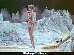 Γυναίκα Αστροναύτης Stripteases στο Φεγγάρι (1960 Vintage)