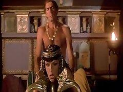 Τα Ερωτικά Όνειρα της Κλεοπάτρας (1985)