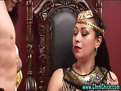 Cfnm egyiptomi királynő ribanc meg a szolga lányok