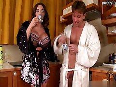 Bigass ex girlfriend squirting