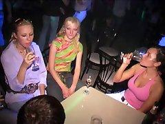 Gloryhole In Club...F70