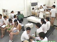 Schulmädchen beschämt körperliche Untersuchung 04