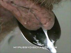 Φρέσκο τουλ, ενώ το κατούρημα στην τουαλέτα