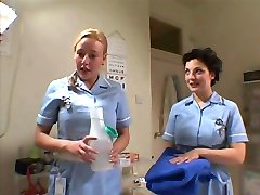 İki İngiliz Hemşire Berbat Sabun Ve Şanslı Bir Adam