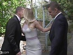 glamkore - chaude blonde eurobabe vinna reed reçoit un anal dp