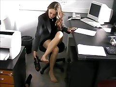 barfota sekreterare Nadya