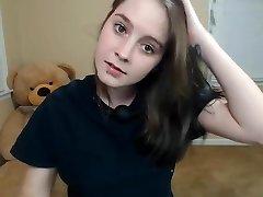adolescente cutey deepthroat y cumshow con pinzas en los pezones