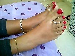nubile indian feet
