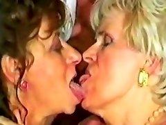 EXTREMT PERVERSA Mormor CUMSWAP av satyriasiss