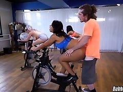 Latina Exercise Booty