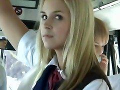 Buss Full av Blonda Flickor i Skolan 3