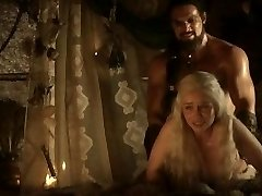 Emilia Clarke: Game of Thrones Naken/Sexy/Varme Scener