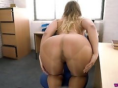 Kinky secretary Beth is masturbating her appetizing pussy in the office